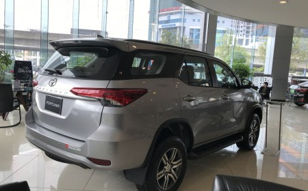 FORTUNER 2.4G 4X2 AT
